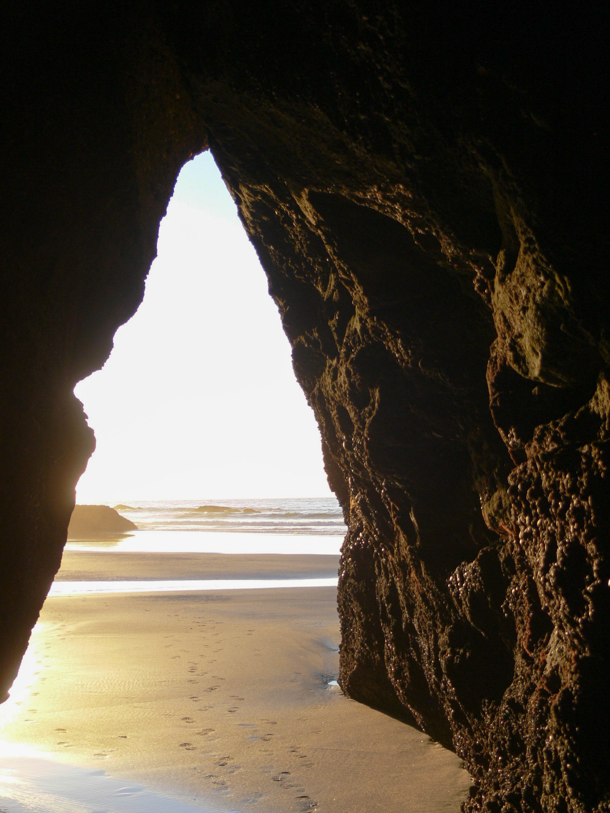 Cave at Wharariki Beach