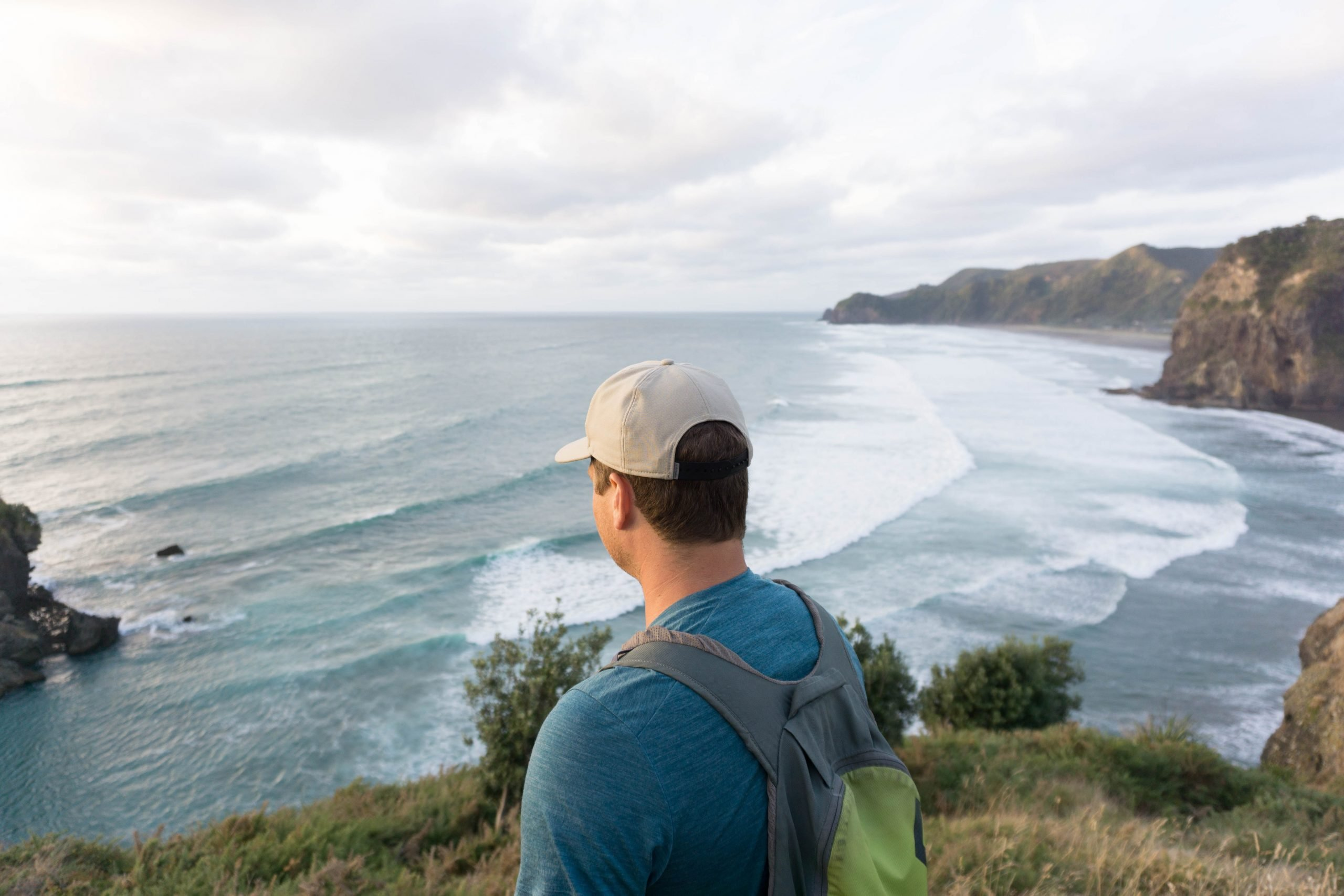 Overlooking Piha Beach from the Tasman Lookout trail